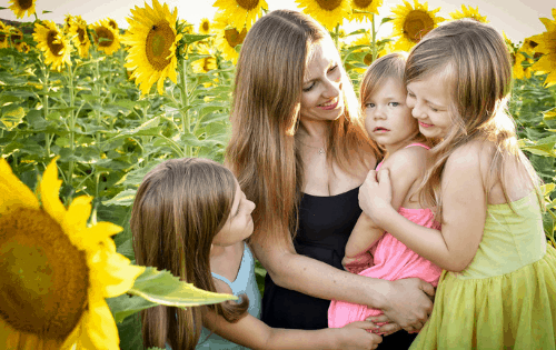 inspirational motherhood quotes that all moms should read